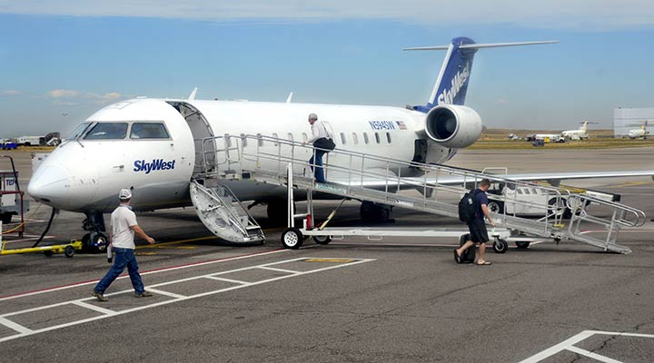 SkyWest Airlines Plane